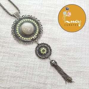 Sliver circle stacked medallion necklace